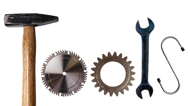 What-is-the-Difference-Between-Tools-and-Equipment